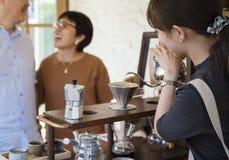 Релаксация кофеина бара кафа напитка выпивая Стоковая Фотография RF