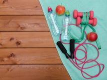 релаксация pilates пригодности принципиальной схемы шарика Стоковая Фотография RF
