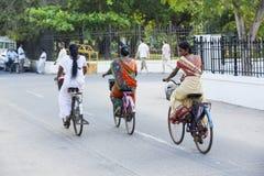 Редакционное иллюстративное изображение Транспорт цикла в Индии Стоковые Изображения RF