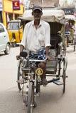Редакционное иллюстративное изображение Транспорт цикла в Индии Стоковое Изображение RF