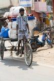 Редакционное иллюстративное изображение Транспорт цикла в Индии Стоковая Фотография