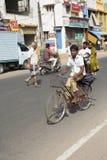 Редакционное иллюстративное изображение Транспорт цикла в Индии Стоковое фото RF