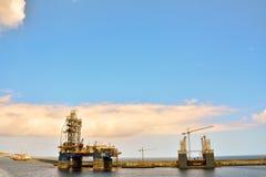 Редакционное промышленное здание в порте Стоковое Изображение RF