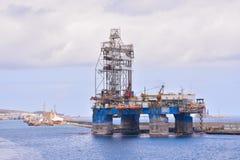 Редакционное промышленное здание в порте Стоковое фото RF