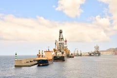 Редакционное промышленное здание в порте Стоковые Фото