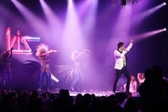 Sakis Rouvas пея на этапе в Афиныы, Греции Стоковые Изображения RF