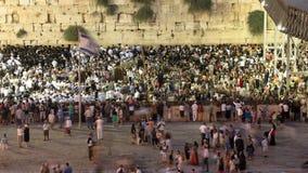 Религиозное молитвенное служение на западной стене, timelapse захода солнца евреев Израиля видеоматериал