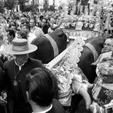 Религиозное шествие при 2 oxes вытягивая тележку Стоковые Фотографии RF