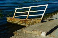 Реликвия старой пристани стоковая фотография rf