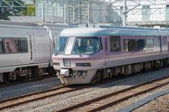 Редкий sightseeing курорт срочный Yu поезда на станции Katsuta Стоковое Фото
