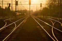 Рельс на заходе солнца стоковая фотография rf