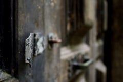 Ржавая античная защелка двери Стоковое Фото