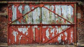 Ржавая промышленная дверь Стоковое фото RF