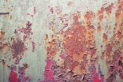 Ржавая согнутая стена стоковое фото
