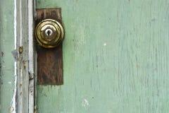 Ржавая старая ручка двери стоковое изображение