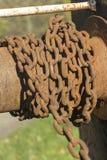 Ржавая цепь на шестерне замка канала Стоковое Изображение