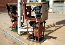 Ржавея ababdoned бензиновые колонки Стоковое Фото