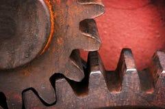 Ржавое и металлическое колесо шестерни стоковая фотография