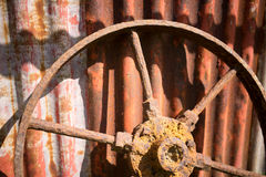 Ржавое колесо Стоковые Фотографии RF