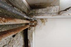 Ржавчина в трубах стоковая фотография rf