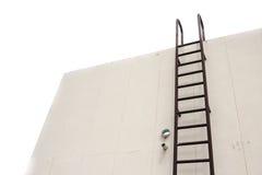 Ржавчина металла лестницы старая вертикальная промышленная Стоковые Фото