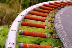 Ржавые весны батута стоковые изображения rf