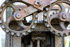 Ржавые cogwheels металла механизм шестерен старый Стоковое Изображение