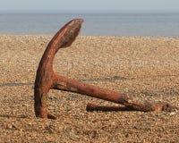 Ржавый анкер на пляже Aldeburgh Стоковые Изображения RF