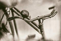 Ржавый конец колокола handlebar и велосипеда вверх Стоковая Фотография RF