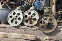 Ржавый металлолом стоковые фотографии rf