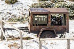 Ржавый старый генератор трейлера Стоковые Изображения