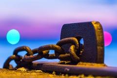 Ржавый цепной простукивать в гавани Landskrona Стоковые Изображения RF