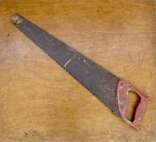 Ржавый crosscut инструмент ручной пилы Стоковая Фотография