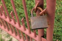 Ржавый padlock Стоковые Изображения RF