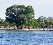 Рига, Латвия, 15-ое июля 2015 Спортивная площадка ar Lucavsala детей Стоковые Изображения RF