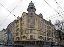 Рига, Bruninieku 2, угловой дом с башенкой стоковые фотографии rf