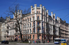 Рига, Elizabetes 21, историческое здание с элементами готического возрождения и эклектизм стоковая фотография rf