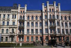 Рига, Elizabetes 21, историческое здание с элементами готического возрождения и эклектизм стоковые фото