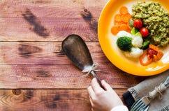 Ризотто с овощами, на деревянной предпосылке Стоковые Изображения