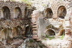 Римская стена некрополя в старом Ostia Стоковое Изображение RF