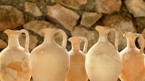 Римские вазы положили совместно снова славно в Tac, Gorsium в Венгрии Стоковые Изображения