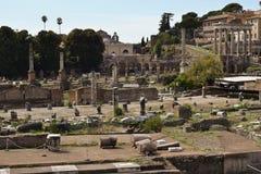 Римские руины в Риме, форуме Стоковые Изображения RF