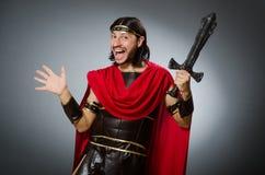 Римский ратник с шпагой против предпосылки Стоковое фото RF