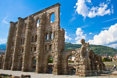 Римский театр в Aosta стоковые изображения