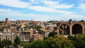Римский форум, взгляд виска Romulus от Palatine высокого Стоковые Изображения