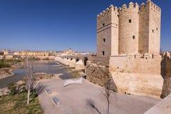 Римское река моста и Гвадалквивира, большая мечеть, Cordoba, Spai Стоковое Изображение