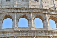 Римское Colosseum, место где воевать гладиаторы так же, как был местом для общественных развлечений, Римом стоковые фотографии rf