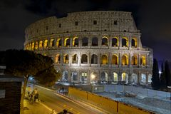 Римское Colosseum, место где воевать гладиаторы так же, как был местом для общественных развлечений, Римом стоковые фото
