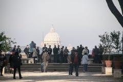Рим: Базилика ` s St Peter nigt Стоковая Фотография
