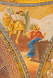РИМ, ИТАЛИЯ: Деталь фрески аннунциации в куполке di Santa Maria Ausiliatrice базилики церков стоковая фотография rf